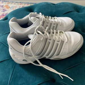 K Swiss tennis footwear